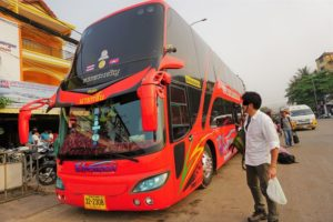 シェムリアップからバンコクへ、陸路にてバスで国境を越えてみた☆