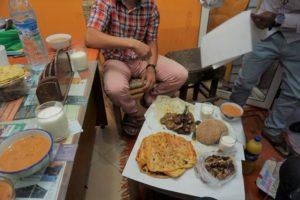 ただいまラマダン中!での観光事情と、断食明けの食事にお誘い頂きましたー。
