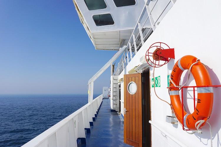 モロッコからスペインへ!憧れのジブラルタル海峡をフェリーで渡って。