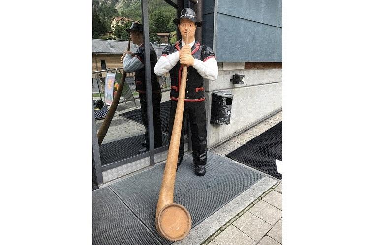 (ひとこと写真) イッツ・ア・スイス ジョーーク!