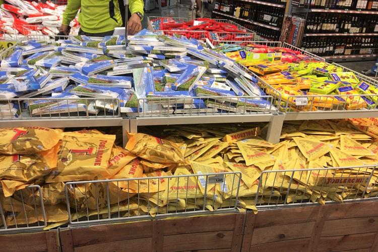 (ひとこと写真) スイスにて、I'm a チョコホリック!