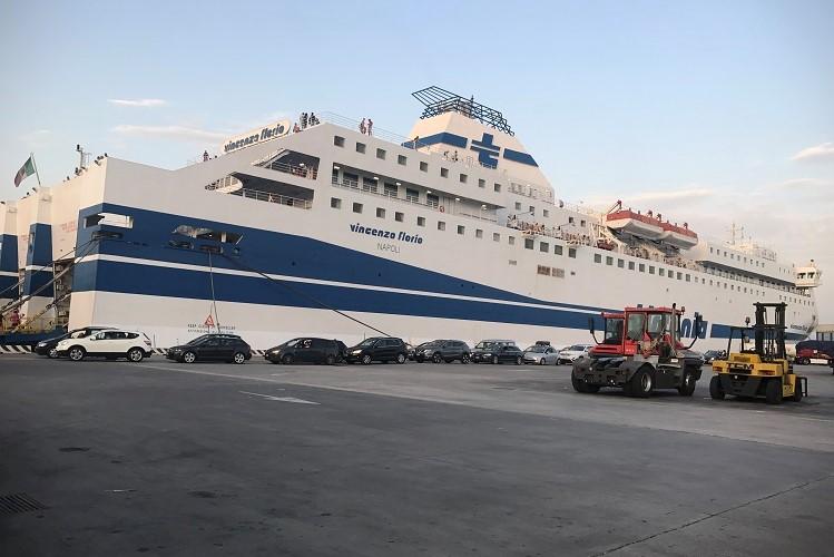 (イタリア)ナポリからパレルモまでの移動は、フェリーがオススメ!【ランペドゥーザ島への道のり】