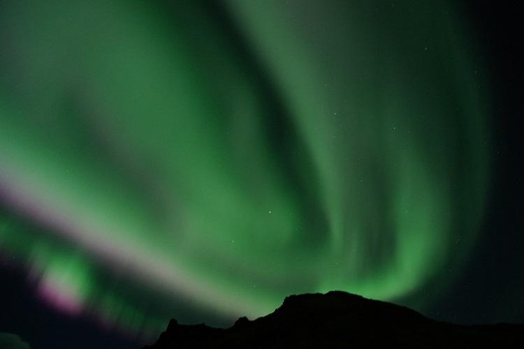 これはすごいよ、オーロラ光レベル7~8の眩いオーロラ見れちゃった(TᴗT)+