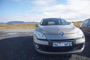 アイスランドで14日間レンタルする事にしているカーはこちらです(料金とかいろいろ)